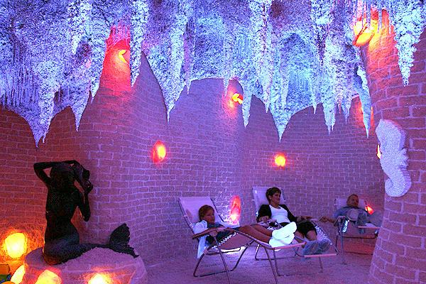 Cоляная пещера, галокамера, спелеокамера, соляные пещеры в Москве, соляные пещеры лечение, соляные пещеры в спб, спелеокамера в Москве.